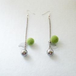 Apple Green Felt Ball & Metal Ball Earrings - Green