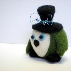 Green Felted Owl Scultpure - Needle Felted Bird